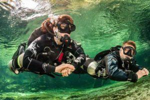 Plongée de spécialité Sidemount diver