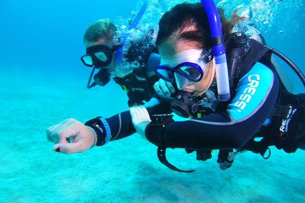 Plongée de spécialité navigation sous-marine